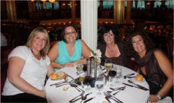 Here are the calgary sistahs... LOOOOVED you guys and had the best time!!!! and Rhonda, enjoy your QUICKUTZ REVOLUTION! LOLOL