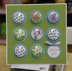 is this ADORABLE?? love the flatbacks here (or magnets) do you lovey????