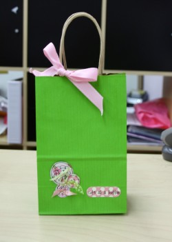 Shelley's CUTES AS A BUTTON gift bag