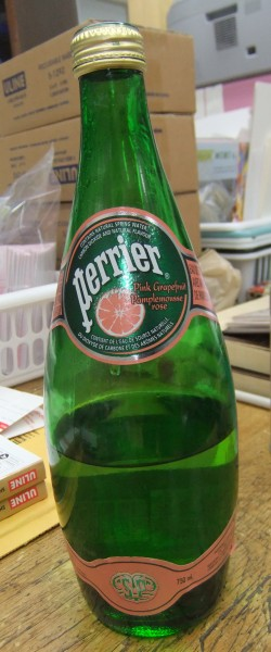 New Grapefruit flavour PERRIER... LOVE this.  Makes me HAPPY (finally! didn't love lemon or lime)
