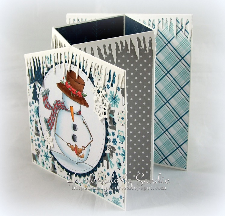 Stamping Bella - DT Thursday - Create a Concertina Fold Card. Click through for the full tutorial by Sandiebella!