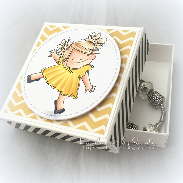 Stamping Bella - Stamp It Saturday - Using Stamp Sets with Two Image Sizes!