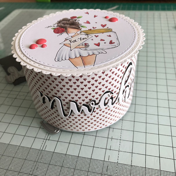 Stamping Bella DT Thursday: Create a Roundy Candy Box with Sandiebella!
