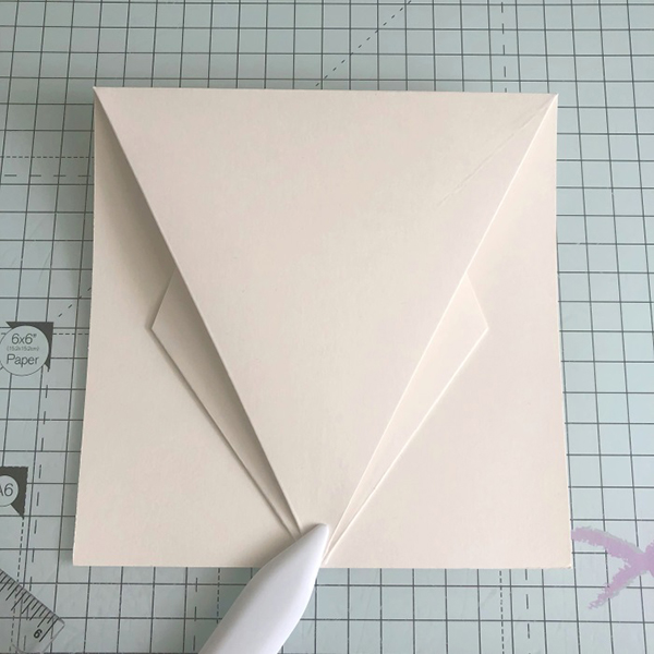 Stamping Bella: Thursday with Sandiebella - Create an Arrow Fold Card